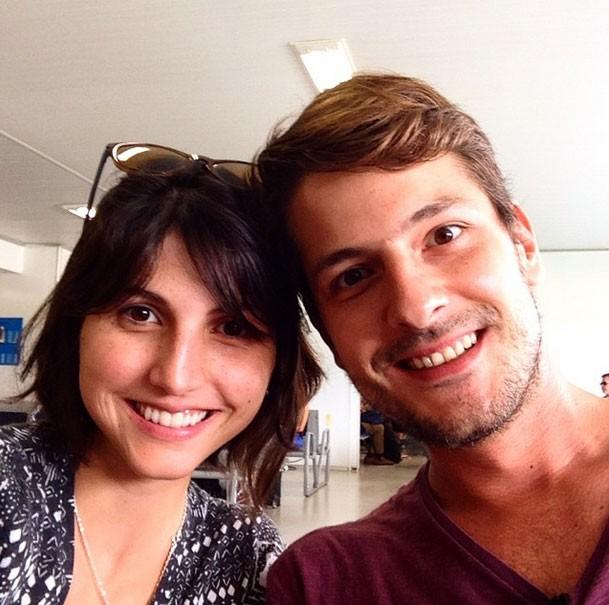 casal ensina como ganhar dinheiro viajando o mundo